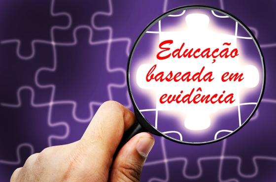 Reflexão sobre educação baseada em evidência