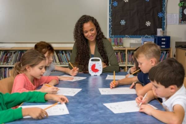Usando o tempo a seu favor: como manter alunos focados nas atividades